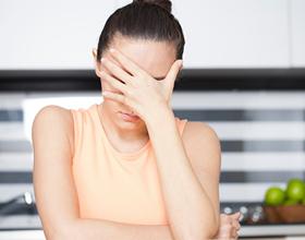 Болит голова после приема еды