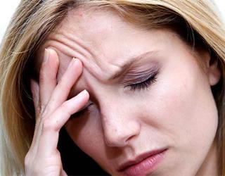 Боль в голове у женщины