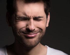 Болит правая сторона головы и правый глаз