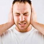 Головная боль и в шум в ушах: причины и что делать