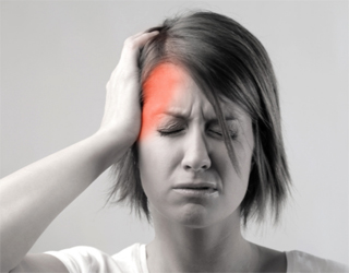 Мигрень у женщины