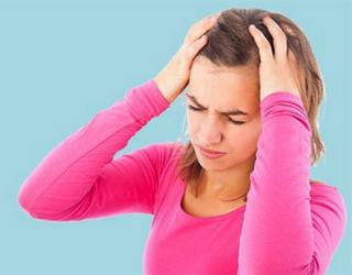 Абузусная головная боль у женщины
