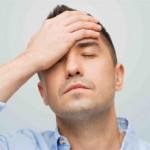 Головная боль в лобной части: симптомы, причины, лечение