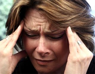 Давящая боль у женщины